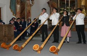 Auftritt in der bis auf den letzten Platz besetzten Pfarrkirche Schwyz